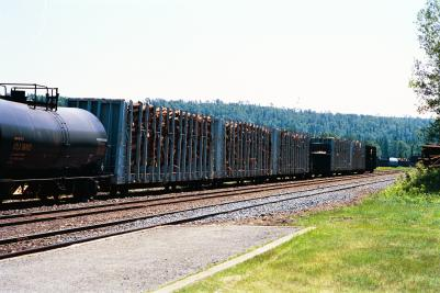 Freight cars in Wawa