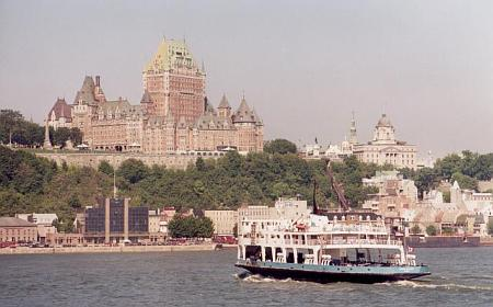 photo of Québec City from river